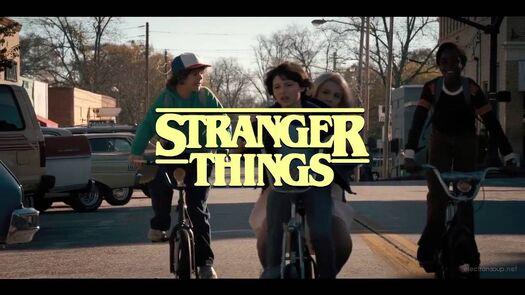 Stranger Things as an 80s sitcom