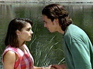Tommy-Oliver-and-Kimberly-Hart-the-power-rangers-32622516-320-240