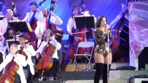 Demi_Lovato,_Purple_Rain_-_Boston_Pops_Fireworks_Spectacular_2016