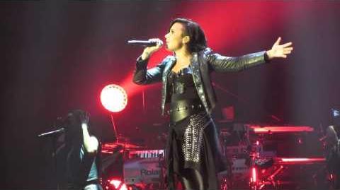 Demi Lovato - Skyscraper - Sex and Love Tour Manchester 2014