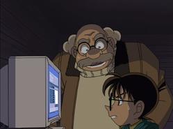 Conan y Agasa asustados tras no poder descifrar el mail de Itakura