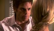 21 Dexter avoids talking about apt S4E5
