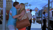 12 Dex and Hannah kiss goodbye S8E12