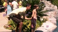 8 Elliot pushes Cody into pool S4E3
