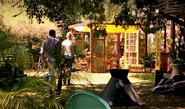 Dexter follows Hannah to greenhouse