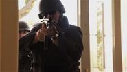 48 SWAT at Arthur's door S4E12