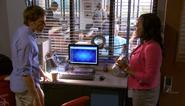 17 Maria asks Dexter to test hair S3E11