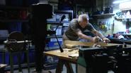 27 Arthur works on wood S7E4