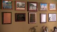 37 Arthur's plaque trophies S4E6