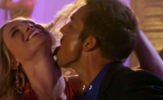 Quinn licks Hot Blonde's neck S5E6 2