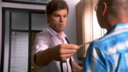 17 Dexter gives tickets to Vince S4E3