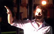 Dexter and security light S4E3