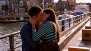 17 Debra kisses Quinn S8E10