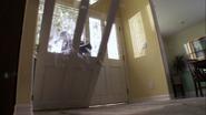 47 SWAT breaks into Arthur's house S4E12