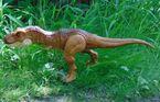 Jurassic-World-Thrash-N-Throw-Tyrannosaurus-Rex-21-700x449