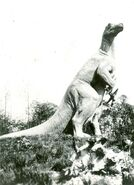 Hagenbeck-Iguanodon-726x1000