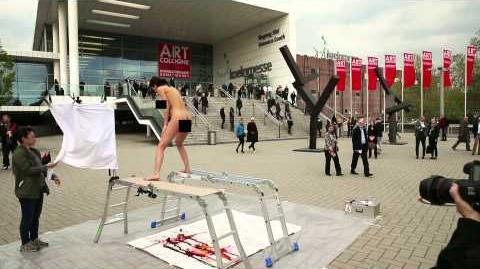 Erister_Egg_Painting_Performance_1_(Art_Cologne_2014)