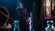 Once Upon a Time in Wonderland - 1x01 - Down the Rabbit Hole - Will Scarlet and White Rabbit