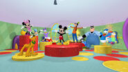 Hotdog dance with clarabelle and pete in it