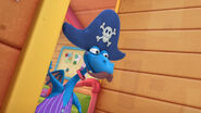 Stuffy dresses up as a pirate