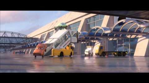 Carros 2 - Clip 5 - Walt Disney Studios Oficial