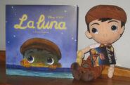 La Luna plush and book