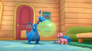 Stuffy big green balloon