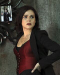 Once Upon a Time - 6x08 - I'll Be Your Mirror - Photography - Regina