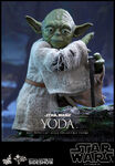 Star-wars-yoda-sixth-scale-hot-toys-