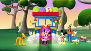 Tour bus from mickey mouse clubhouse