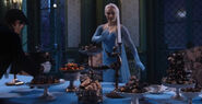 Once Upon a Time - 4x08 - Smash the Mirror - Elsa Dinner Preperation