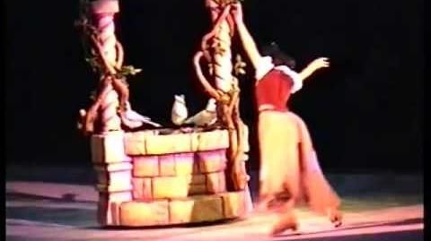 Disney on Ice Snow White part1
