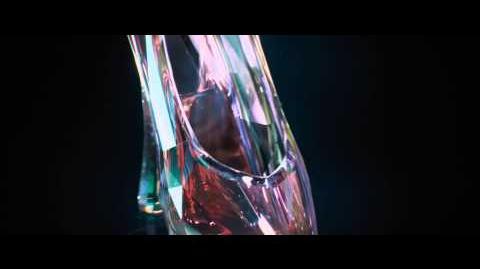 Cinderela - Teaser Trailer - Nos cinemas em 2015