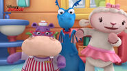 Stuffy, lambie and hallie singing2