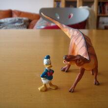 Paperino e l'anatosauro.JPG