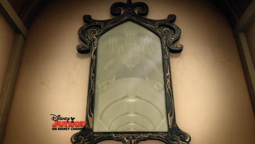 Espelho Encantado (Princesinha Sofia)