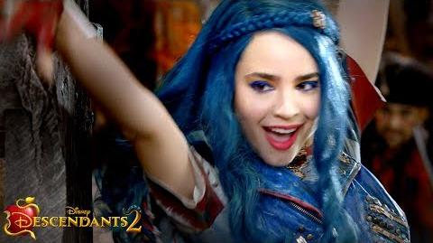 Descendants 2 - Sword Fight Sneak Peek!