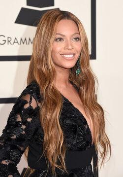 Beyonce Grammys 2015.jpg