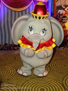 Dumbo character central