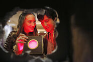 Once Upon a Time in Wonderland - 1x11 - Heart of the Matter - Photography - Alice and Cyrus