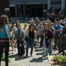 Once Upon a Time - 7x03 - The Garden of Forking Paths - Jacinda and Crowd.jpg