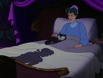 LadyTremaine&Lucifer cama