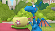 Stuffy teacup