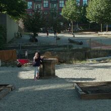 Once Upon a Time - 7x01 - Hyperion Heights - Playground.jpg