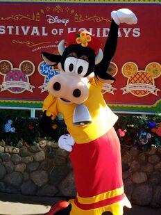 Clarabelle-cow-disney-e1511587426125