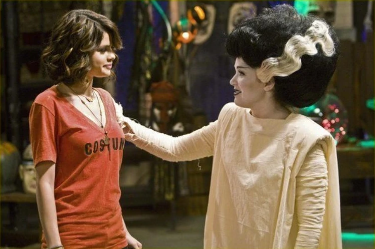Halloween (Wizards of Waverly Place)