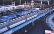 6308-DisneyLandMonoRail-ParkStation