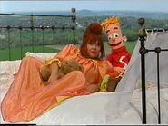 """""""Tante Soesa & Sassefras , een jaar vol gedoe"""" Special - Compilatie 2001 Disney"""