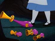 Alice-in-wonderland-disneyscreencaps.com-5916