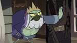 S2E40 Lord Brudo opens the door for Queen Moon